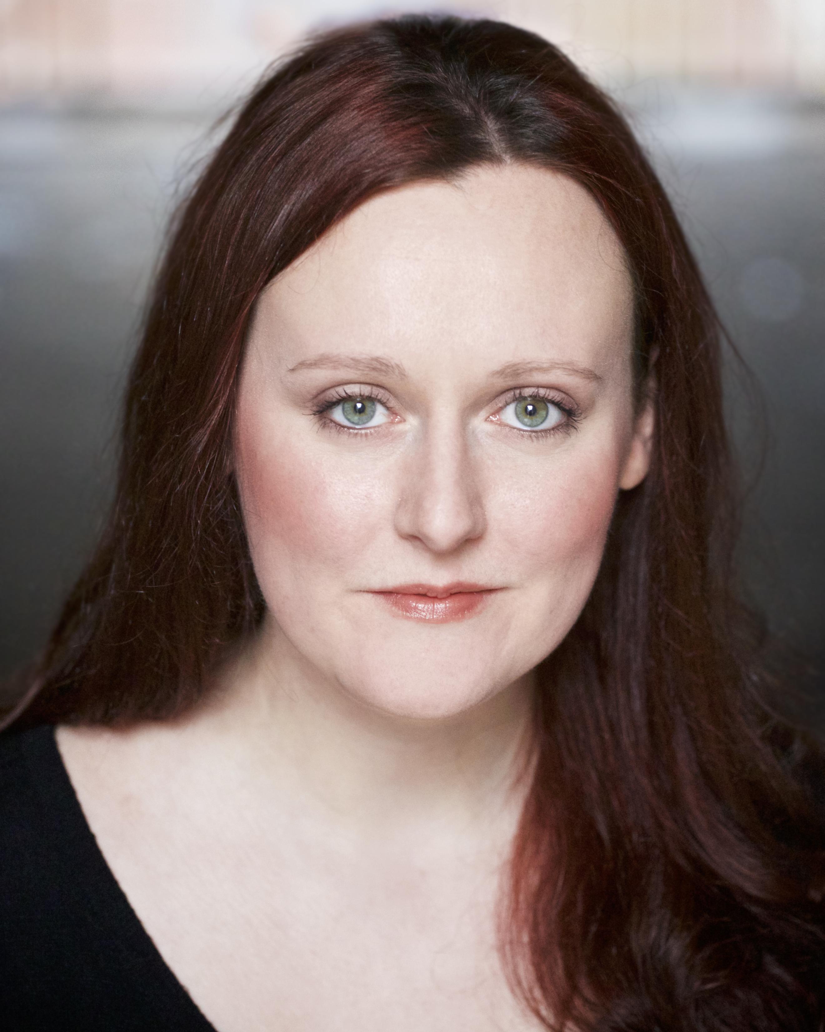 Louise Oliver Headshot 2016 2